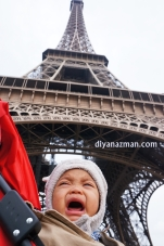 baby-at-eiffel-tower