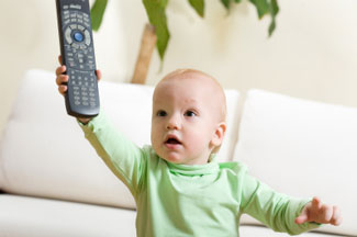 baby-holding-remote-325px